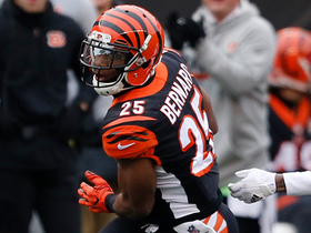 Giovani Bernard finds the edge and picks up 21 yards