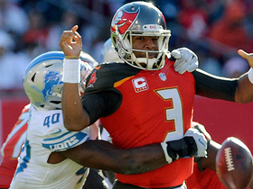 Jarrad Davis won't be denied strip-sack of Jameis Winston