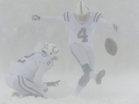 Colts players clear the runway for Adam Vinatieri