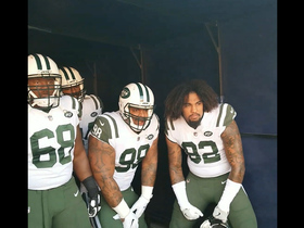 Jets defenders get pumped up in the tunnel before game vs. Broncos