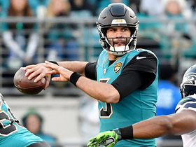 Bortles throws back-shoulder dime to Dede Westbrook for 23 yards