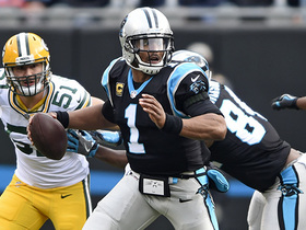 Cam Newton swings pass to Christian McCaffrey for 20 yards