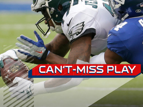 Can't-Miss Play: Jeffery lays OUT to snatch ball from the air
