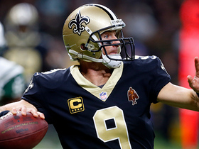 Brees finds Snead open for huge 23-yard gain on third down