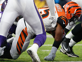 Giovani Bernard punches in first rushing TD of season