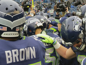 Seahawks get pumped up before game vs. Rams