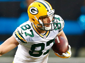 Aaron Rodgers slings pass to Jordy Nelson for a first down