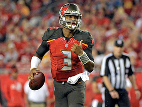 Jameis Winston takes off for his second-longest rush of 2017