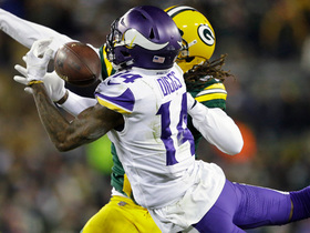 Stefon Diggs makes bobbling catch in tight coverage for 20-yard gain