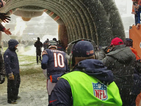 Bears get pumped up before running out of the tunnel