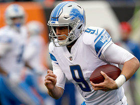 Stafford scrambles 7 yards to pick up a gritty first down