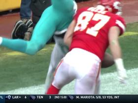 Alex Smith fires a strike to Travis Kelce on third down for the TD