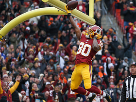 Jamison Crowder takes slant over the middle for 15-yard TD