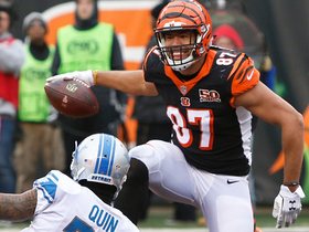 Andy Dalton fakes toss, rips it to C.J. Uzomah for the go-ahead TD