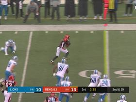A.J. Green jukes defender for a 17-yard first down