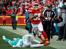 Charcandrick West takes off for 25 yards after catching swing pass