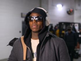 Josh Gordon rocks sunglasses pre-game