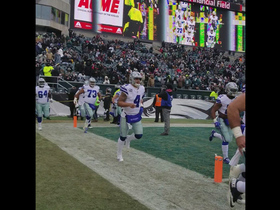 Cowboys run out to boos in Philadelphia