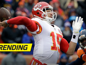 Watch Mahomes' first play under center as Chiefs' starter
