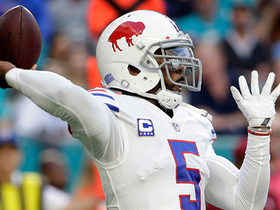 Tyrod Taylor buys time, finds Kelvin Benjamin for 18-yard gain