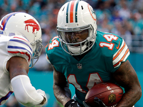 Jarvis Landry dodges tackles, picks up first down on first-and-20