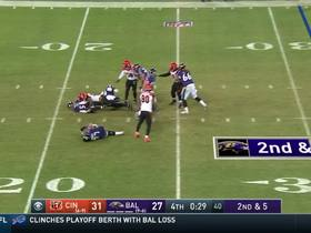 Dunlap downs Flacco for a crucial sack with 25 seconds left