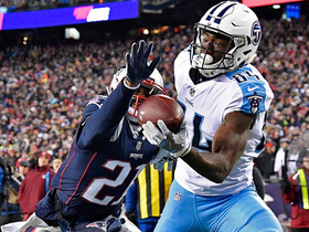 Corey Davis makes first career playoff catch for 11 yards