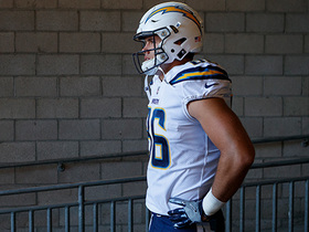 How does Hunter Henry's injury affect Chargers' offensive strategy in 2018?