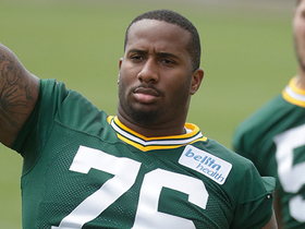 Mike Daniels left Packers practice early Monday after thigh injury