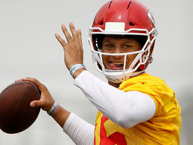 Pelissero: Mahomes has 'lit it up' in practice