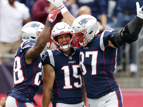 James White takes a short pass into the end zone for a 12-yard TD