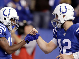 Hilton, Luck celebrate on 5-yard TD connection