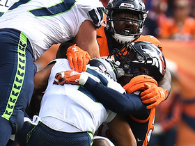 Von Miller shows speed outside to take down Russell Wilson