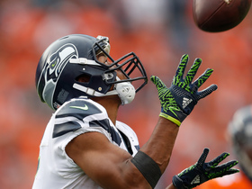 Russell Wilson airs it out to Tyler Lockett for 51-yard TD