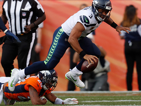 Chris Harris trips up Russell Wilson for key third-down sack
