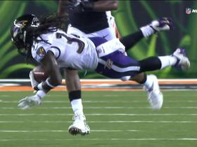 Alex Collins puts on juke clinic after short catch