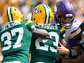 Rookie Jaire Alexander blitzes for third-down sack on Kirk Cousins