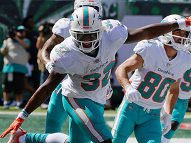 Kenyan Drake celebrates with jet wings after TD
