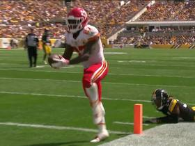 Mahomes hits Hunt, who powers in for 5-yard TD