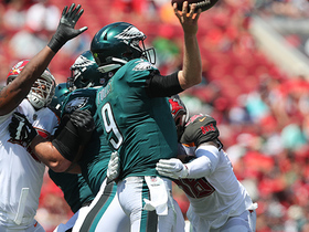 Kwon Alexander flies in to force fumble on Foles, Bucs recover