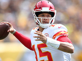 Patrick Mahomes throws SIXTH TD pass on dime to Tyreek Hill
