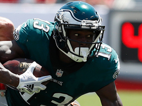 Nelson Agholor burns the secondary for a 50-yard catch and run