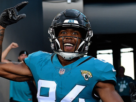 Keelan Cole channels Bo Jackson as he runs into tunnel on 24-yard TD