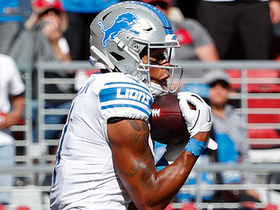 Stafford finds Marvin Jones open in back of the end zone for TD