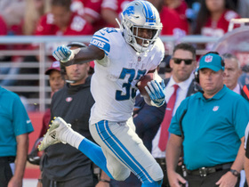 Kerryon Johnson uses nifty hurdle to get over defender