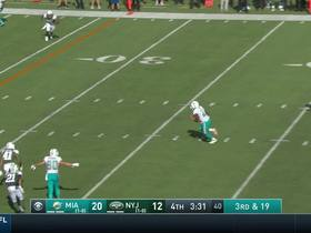 Ryan Tannehill completes 19-yard pass to Frank Gore