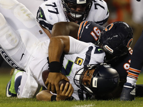 Khalil Mack, Eddie Goldman team up for sack on Russell Wilson