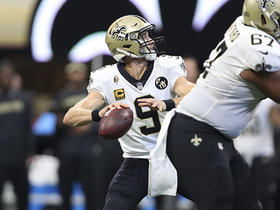 Brees floats perfect pass to Austin Carr for a 25-yard gain