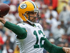 Rodgers, Graham connect for first down in red zone on third-and-10