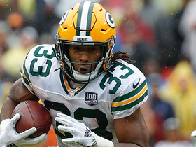 Aaron Jones breaks loose on huge 17-yard gain